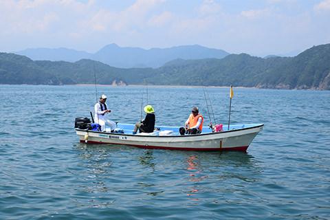 ボート釣り風景
